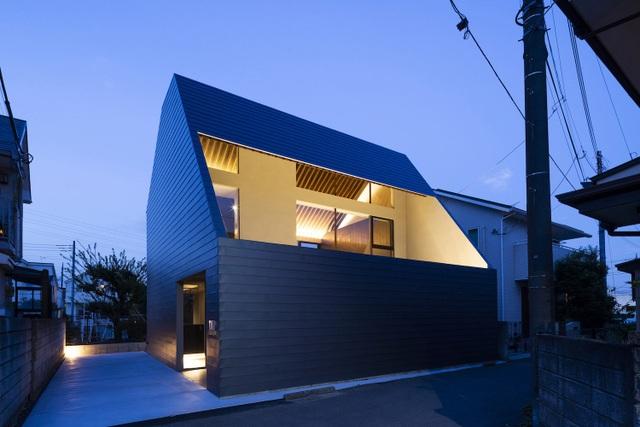 """Lạ mắt với ngôi nhà """"tốc mái"""" của kiến trúc sư Nhật Bản  - 1"""