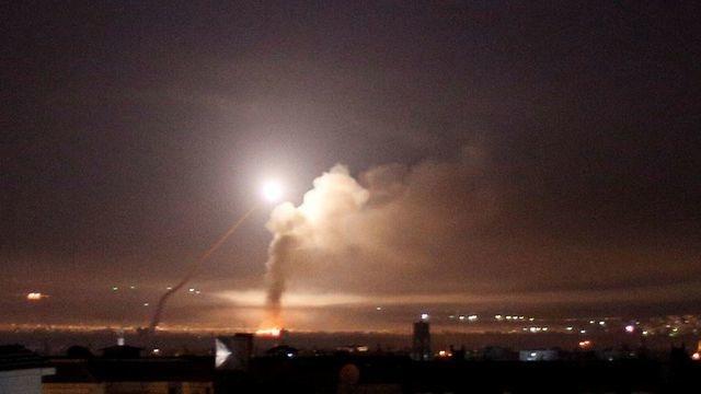 Israel không kích liên tiếp, quân đội Syria cảnh giác cao độ - 1