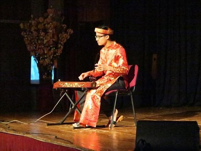 Văn hóa Việt Nam lần thứ ba được giới thiệu tại trường sở Hungary - 2