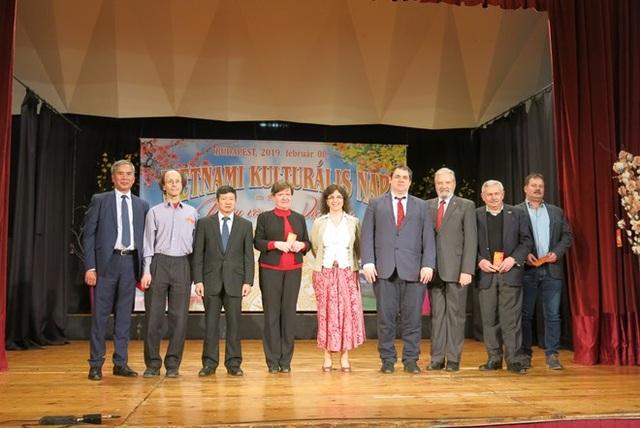 Văn hóa Việt Nam lần thứ ba được giới thiệu tại trường sở Hungary - 3