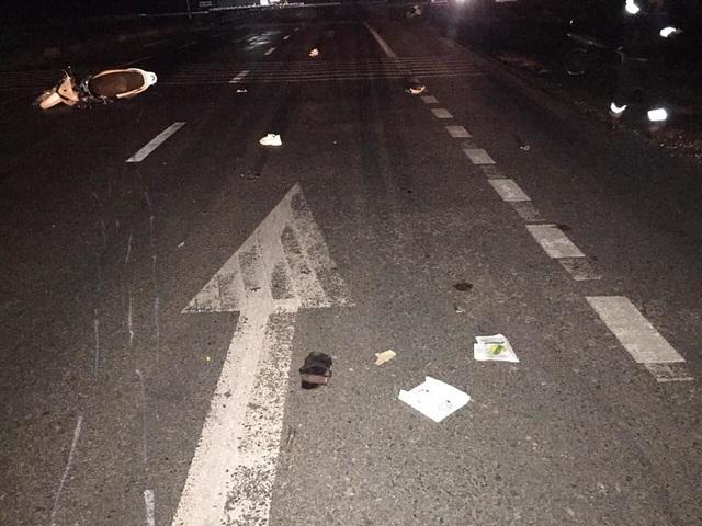 Đâm vào ô tô đỗ bên đường, 3 thanh niên tử vong - 1
