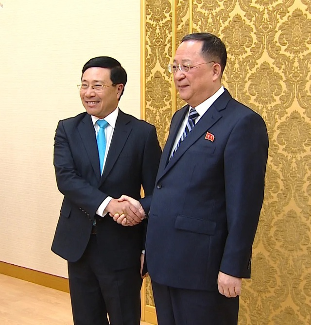 Hội đàm với Bộ trưởng Ngoại giao Triều Tiên Ri Yong Ho (2).jpeg