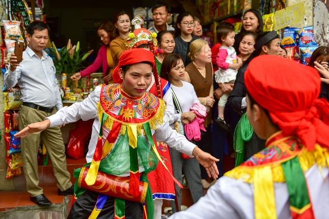 Trai làng Triều Khúc lả lơi trong điệu con đĩ đánh bồng - 10