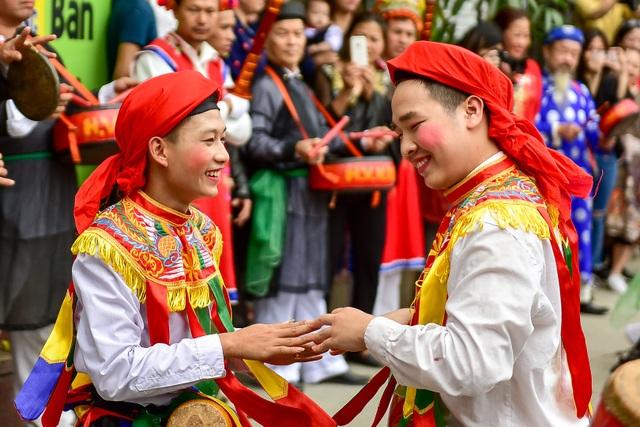 Trai làng Triều Khúc lả lơi trong điệu con đĩ đánh bồng - 9