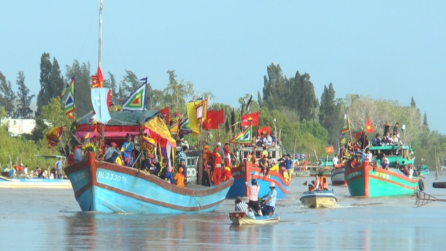 Bạc Liêu: Hàng ngàn người dự lễ Nghinh Ông Duyên Hải đầu năm mới - 4