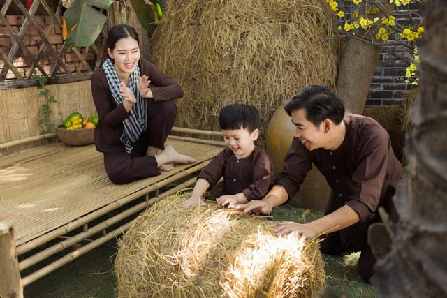 Ngọc Lan, Thanh Bình nhắng nhít chụp ảnh Tết cùng con trai - 9