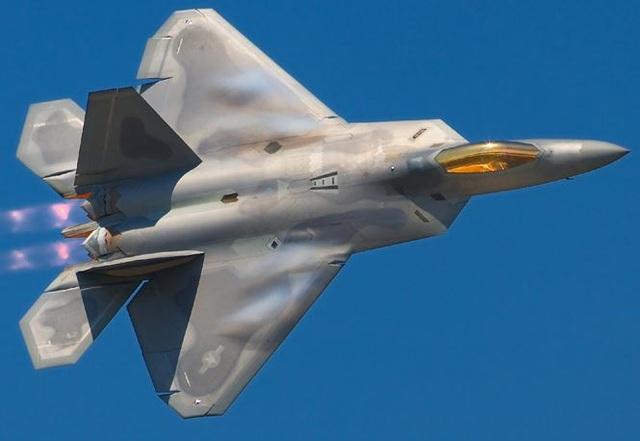 Su-35 đối đầu F-22, chuyện gì xảy ra? - 2