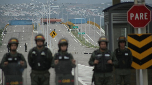 Hàng viện trợ châm ngòi cuộc đối đầu căng thẳng tại biên giới Venezuela - 3