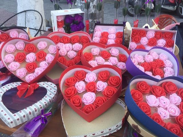 Ngập tràn quà tặng ngày lễ tình nhân Valentine - 1