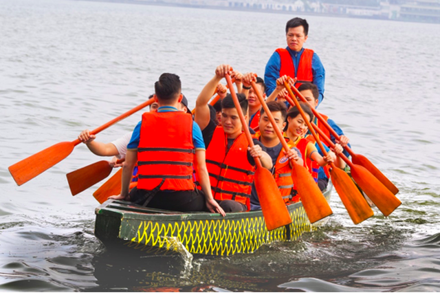 Tháng Giêng và lễ hội bơi chải Thuyền rồng không thể bỏ qua - 1