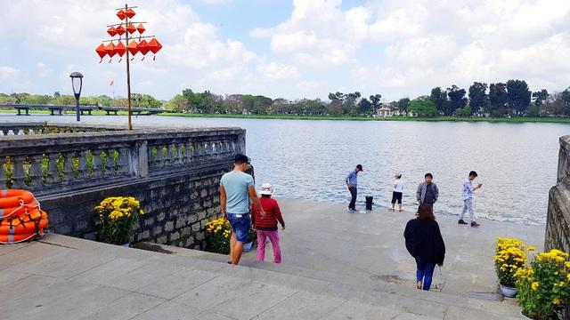Ngắm Huế đẹp lạ lẫm trên những con đường đi bộ ven sông Hương - 6