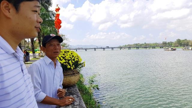 Ngắm Huế đẹp lạ lẫm trên những con đường đi bộ ven sông Hương - 3