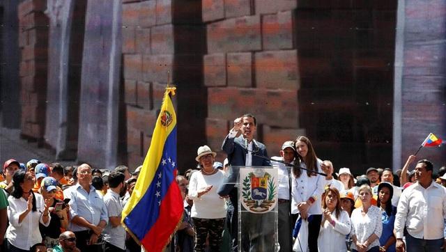 Hàng viện trợ châm ngòi cuộc đối đầu căng thẳng tại biên giới Venezuela - 4