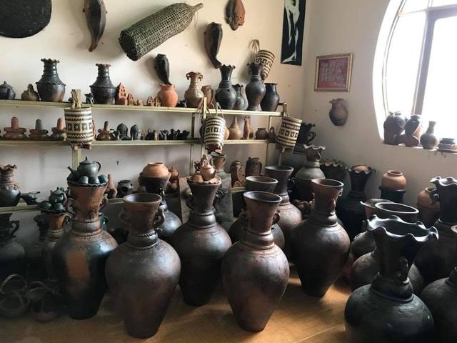 Làng gốm Bàu Trúc vắng khách du xuân, nghệ nhân cố giữ nghề truyền thống - 2