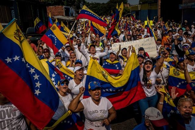 Hàng viện trợ châm ngòi cuộc đối đầu căng thẳng tại biên giới Venezuela - 2