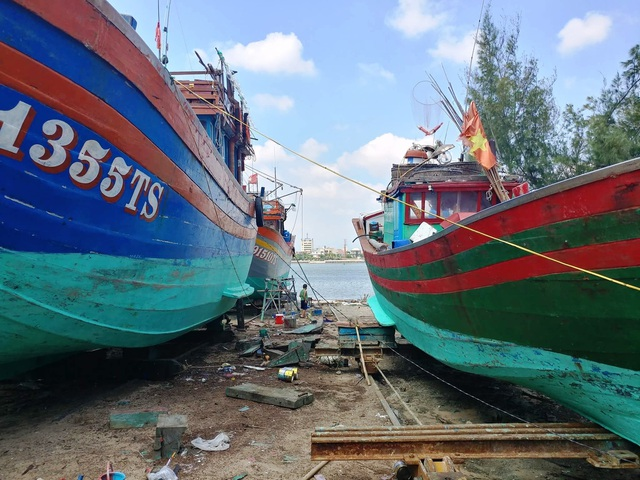 Quảng Bình: Trảm xưởng đóng tàu ở thành phố hành dân suốt thời gian dài! - 4