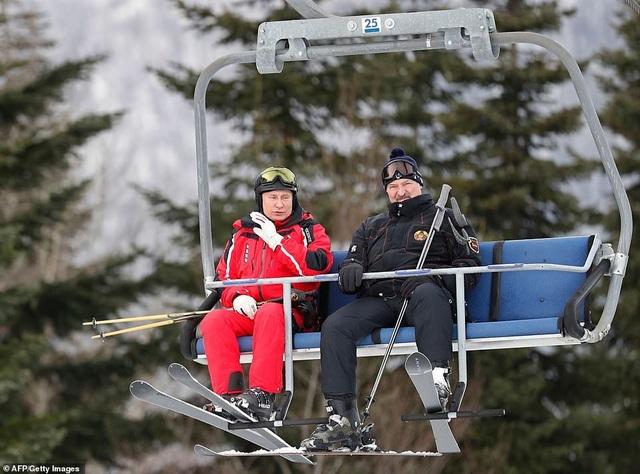 Ông Putin trượt tuyết cùng Tổng thống Belarus - 2