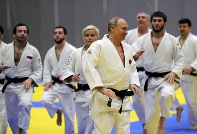 Ông Putin trượt tuyết cùng Tổng thống Belarus - 9