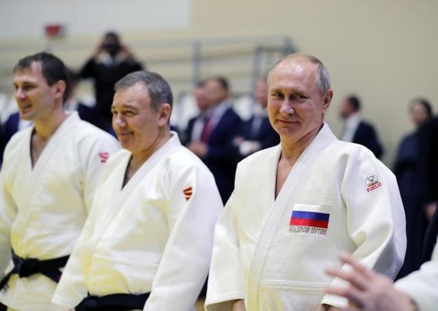 Ông Putin trượt tuyết cùng Tổng thống Belarus - 11