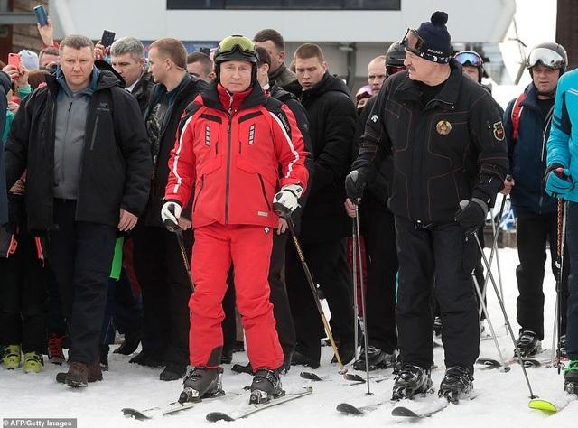 Ông Putin trượt tuyết cùng Tổng thống Belarus - 1