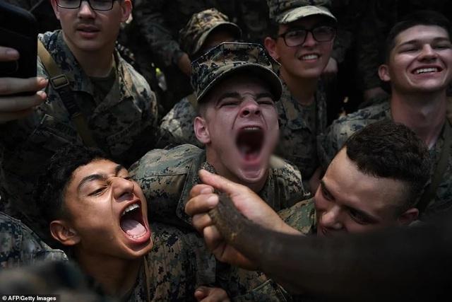 Binh sĩ uống máu rắn để sinh tồn trong tập trận lớn nhất châu Á - 7