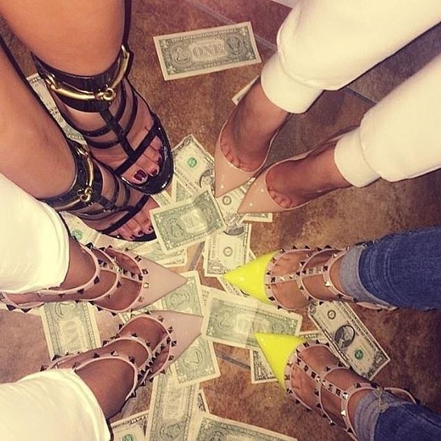 Choáng váng trước sự giàu có và tiêu tiền như nước của gái trẻ Dubai - 14