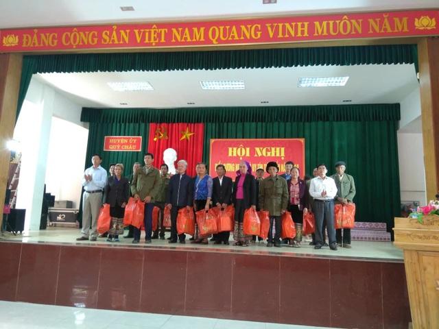 """Người uy tín trong đồng bào dân tộc ở Nghệ An: """"Cánh tay nối dài"""" cho chính quyền! - 2"""