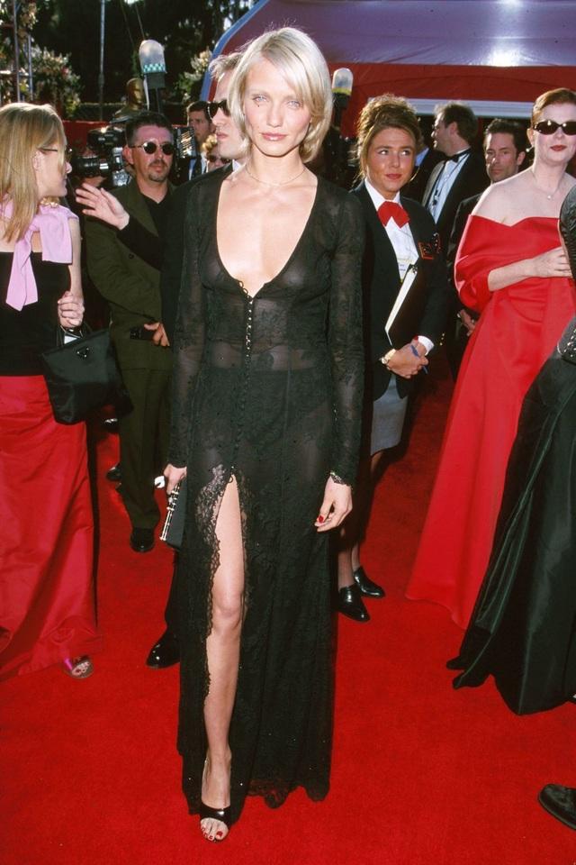 Những bộ váy cuốn hút nhất trên thảm đỏ Oscar - 9