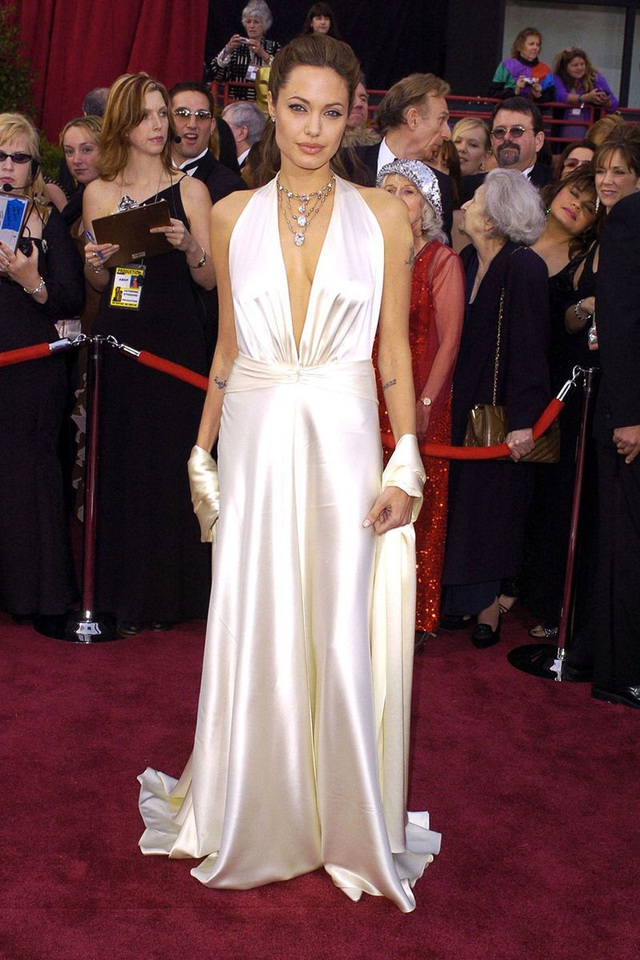 Những bộ váy cuốn hút nhất trên thảm đỏ Oscar - 12