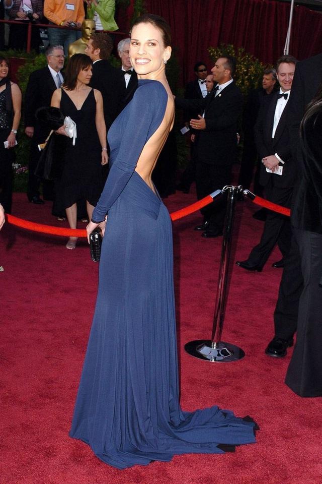 Những bộ váy cuốn hút nhất trên thảm đỏ Oscar - 13