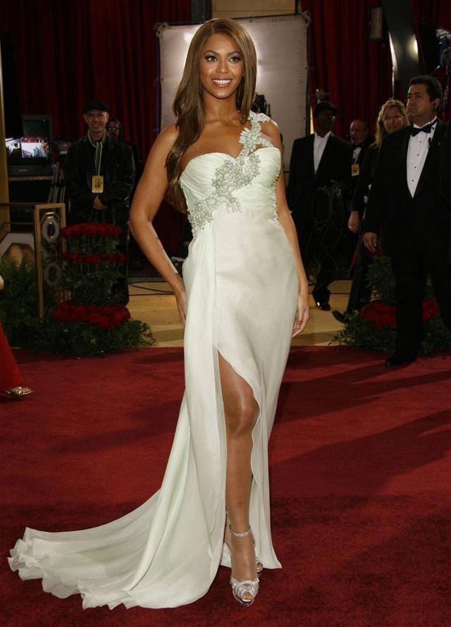 Những bộ váy cuốn hút nhất trên thảm đỏ Oscar - 16