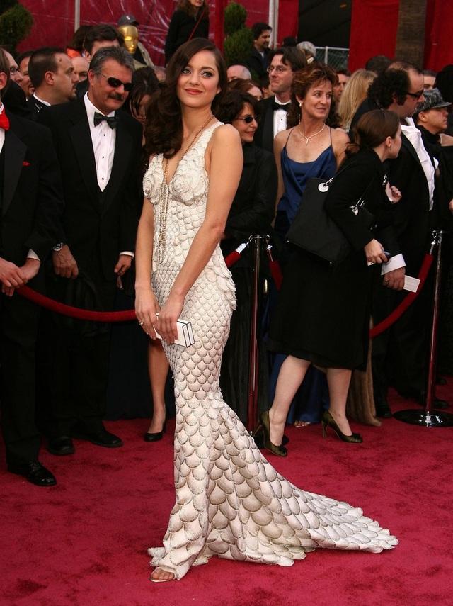 Những bộ váy cuốn hút nhất trên thảm đỏ Oscar - 17
