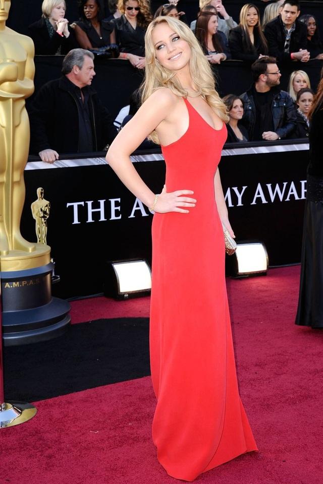 Những bộ váy cuốn hút nhất trên thảm đỏ Oscar - 18