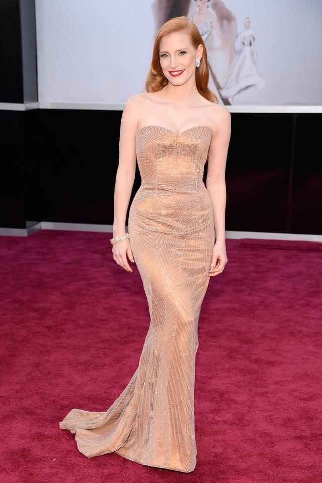 Những bộ váy cuốn hút nhất trên thảm đỏ Oscar - 21