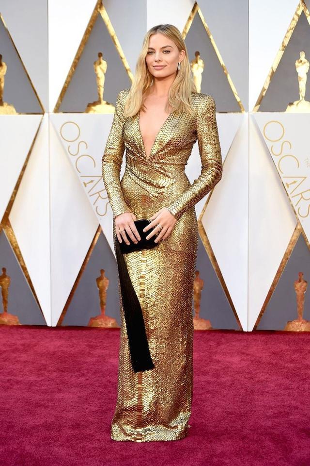 Những bộ váy cuốn hút nhất trên thảm đỏ Oscar - 26