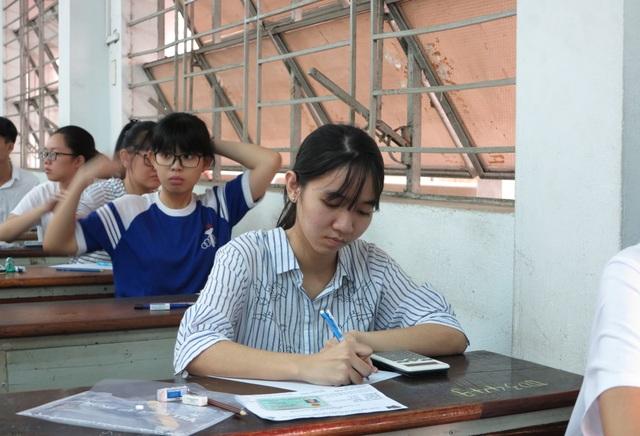 20 trường ĐH, CĐ sử dụng kết quả thi đánh giá năng lực của ĐHQG TPHCM - 1