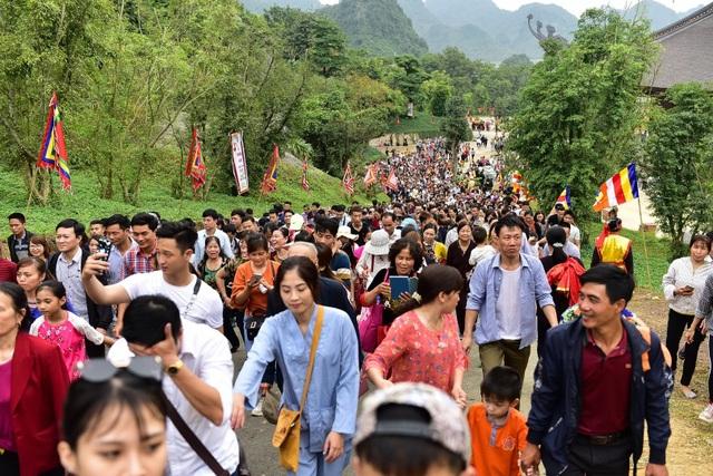 Hàng nghìn người đổ về dự lễ khai hội xuân ở ngôi chùa lớn nhất thế giới - 5