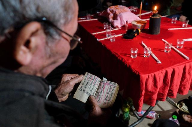 Màn kiểm tra lễ vật suốt 30 phút trong đám cưới đặc biệt ở Hà Giang - 12