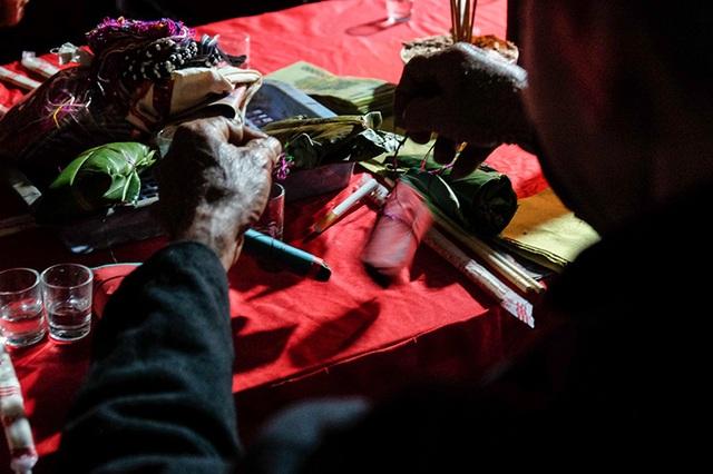 Màn kiểm tra lễ vật suốt 30 phút trong đám cưới đặc biệt ở Hà Giang - 14