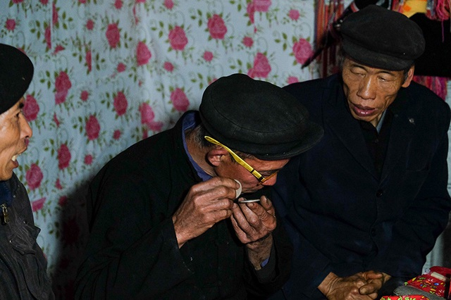 Màn kiểm tra lễ vật suốt 30 phút trong đám cưới đặc biệt ở Hà Giang - 17
