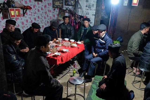 Màn kiểm tra lễ vật suốt 30 phút trong đám cưới đặc biệt ở Hà Giang - 18