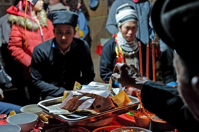 Màn kiểm tra lễ vật suốt 30 phút trong đám cưới đặc biệt ở Hà Giang - 19