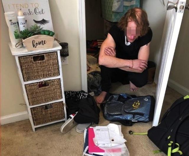 Trộm biến thái đột nhập, trốn trong tủ và mặc đồ của chủ nhà - 1