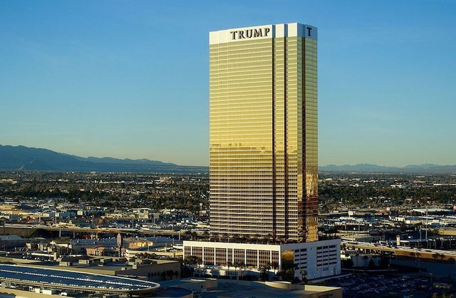 Tổng thống Mỹ Donald Trump bán hàng loạt bất động sản, thu bội tiền - 2