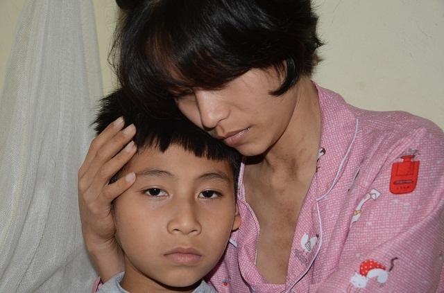 Đớn đau mẹ đơn thân nguy kịch vì bệnh ung thư phổi - 1