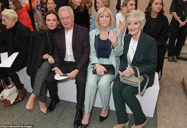 Victoria Beckham được chồng con ủng hộ khi ra mắt bộ sưu tập mới - 8
