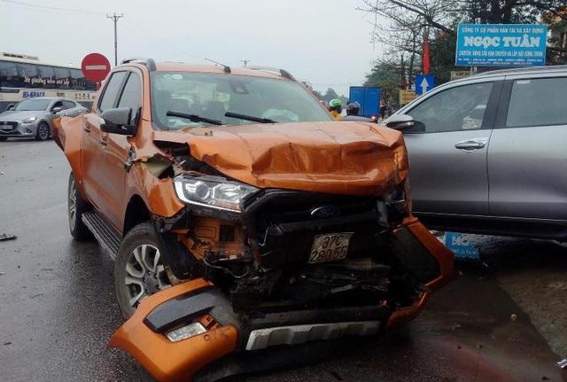 Tai nạn liên hoàn giữa 7 xe trên quốc lộ 1A, ít nhất 1 người tử vong - 3