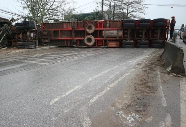 Nguyên nhân ban đầu vụ tai nạn liên hoàn giữa 7 xe trên quốc lộ 1A - 1