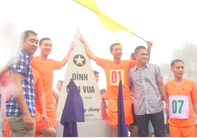 Hoa hậu Việt Nam 2018 cùng hàng trăm vận động viên chinh phục đỉnh Non Vua huyền thoại - 4