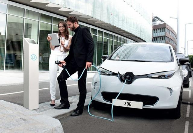 Pháp đầu tư sản xuất pin xe chạy điện để giảm sự phụ thuộc vào Trung Quốc - 1